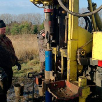 Бурение скважины на воду в д. Шелковка