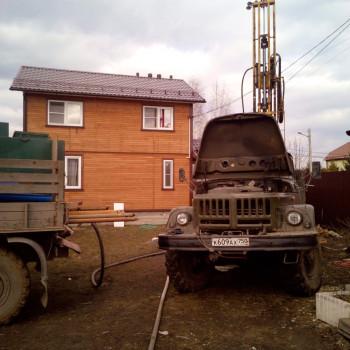 Бурение скважины в д. Клишева
